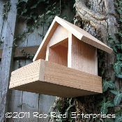 WHITECHUCK Bird Feeder Kit from The Birdhouse Depot